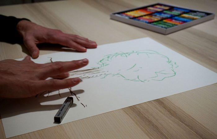 Kunsttherapeutisches Kreidezeichnen